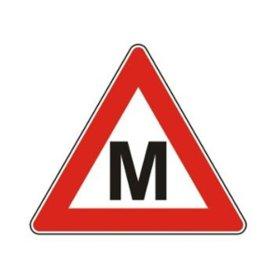 """Magnetinis lipdukas """"M"""" automobilinis"""