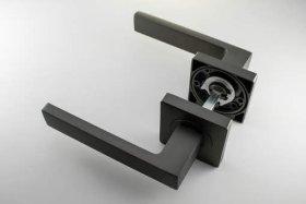 Durų rankena MP, MRO-74-15, kvadrat., juodos sp.