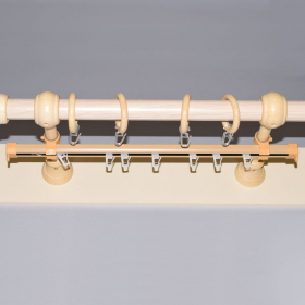 Karnizo bėgelis  Su furnitūra Skersmuo 28 mm, ilgis 1,6 m, šviesios rudos spalvos