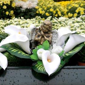 Kapų vainikas su angelu, 55 x 55 cm.